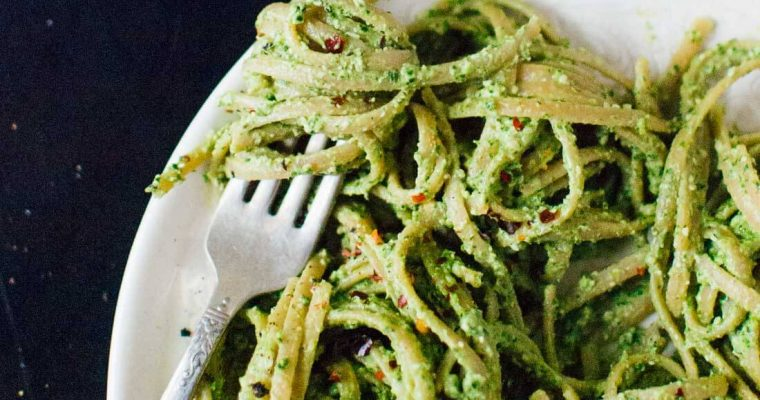 Spaghetti with Kale-Walnut Pesto